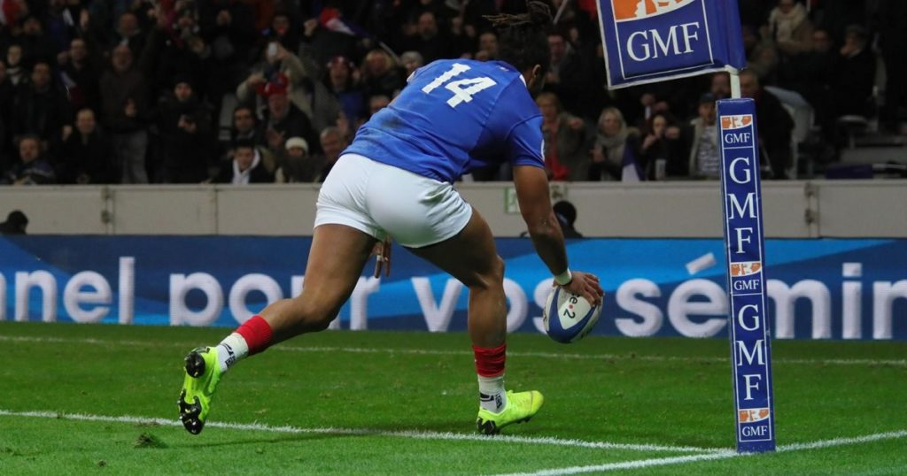 France starting to show good form as Teddy Thomas claims clinical brace