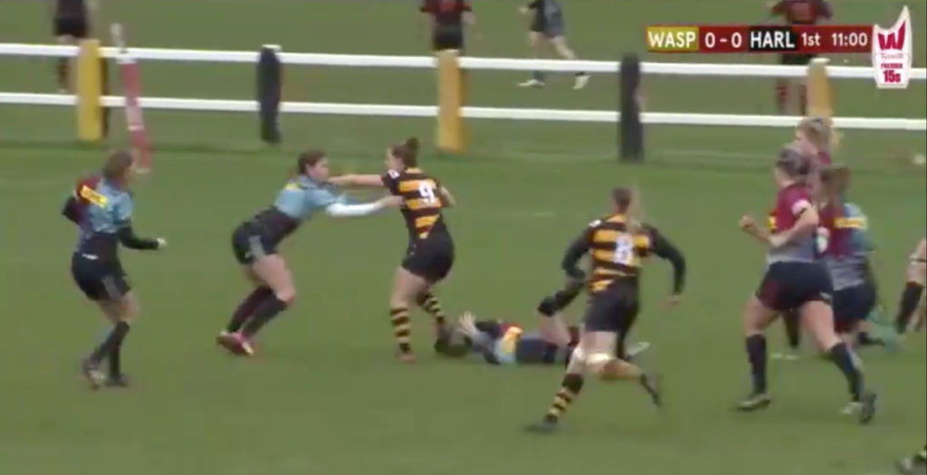 WATCH: Scrum half sits down two defenders to score stunner