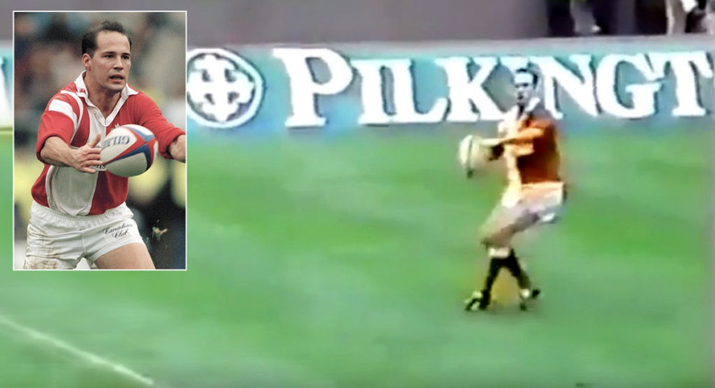 FOOTAGE: Fullback's quarterback pass nearly goes wrong at Twickenham in 1994