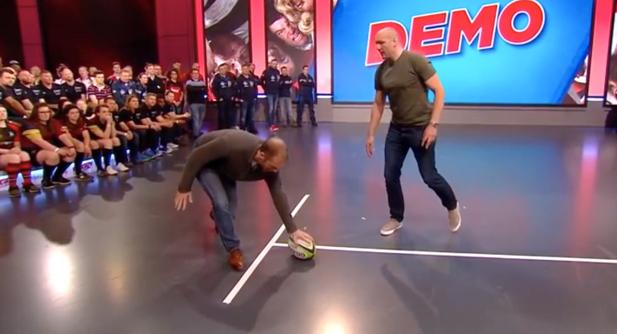Wayne Barnes explains how referees judge when a ball is correctly grounded