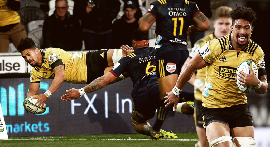 The Ardie Savea show helps Hurricanes in thrilling game away from home