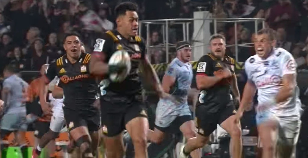 Chiefs score try of the season contender straight from restart
