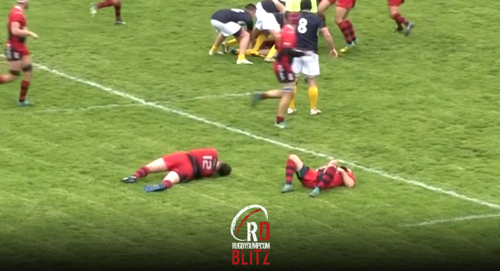 Flyhalf takes out two defenders while never laying a hand on them