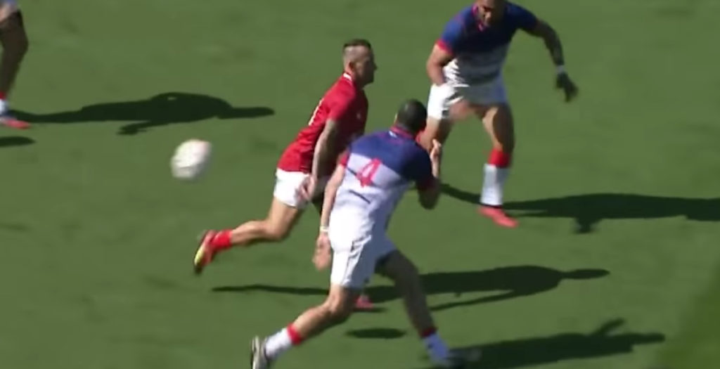 Carlos Spencer rolls back the years with naughty offload