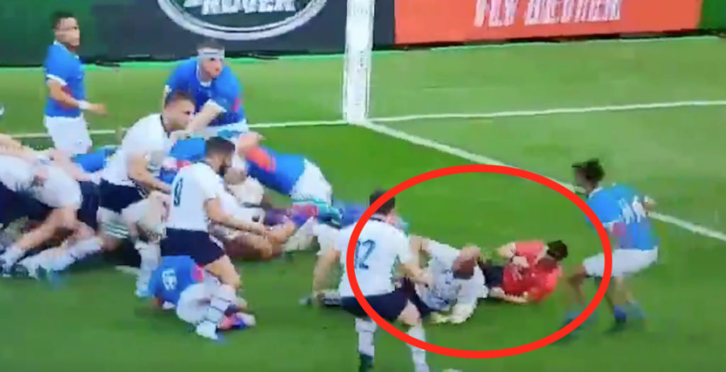 WATCH: Parisse puts referee on his arse against Namibia