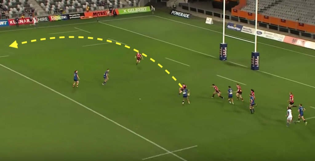 Otago winger makes assist with MASSIVE miss pass
