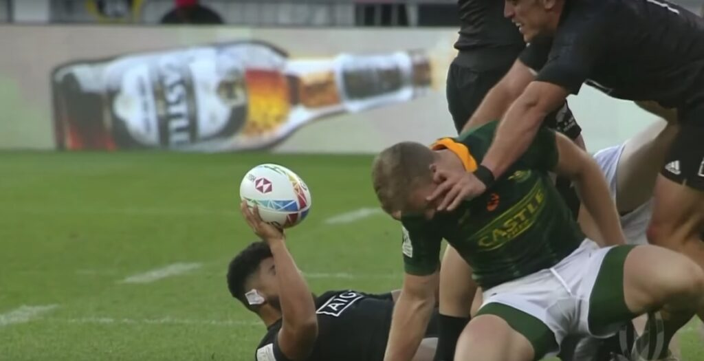 WATCH: Rare fight breaks out in Cape Town sevens final
