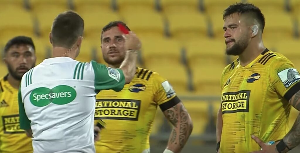 WATCH: Super Rugby prop sees red for aggressive shoulder-to-head challenge