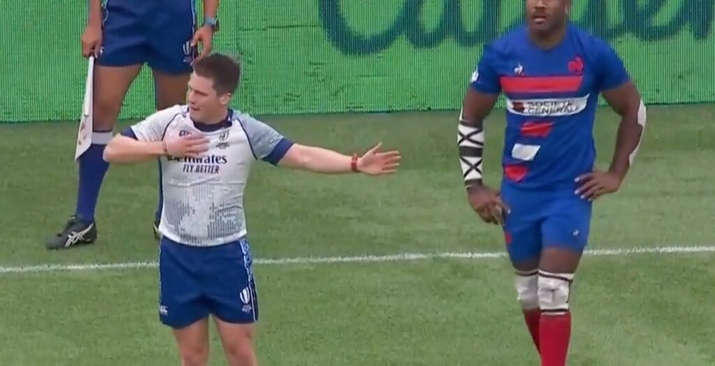 HONESTY: Referee APOLOGISES to players for making the wrong call