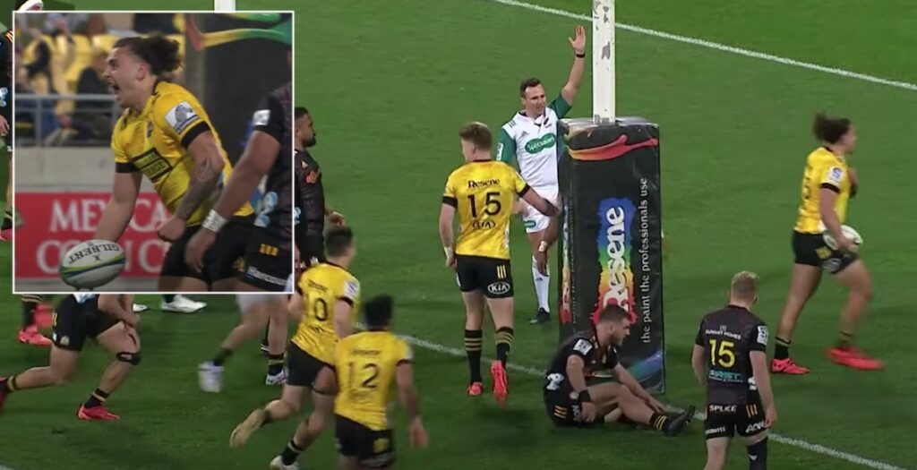 Hurricanes youngster demonstrates THE perfect line to score cracker in Super Rugby Aotearoa