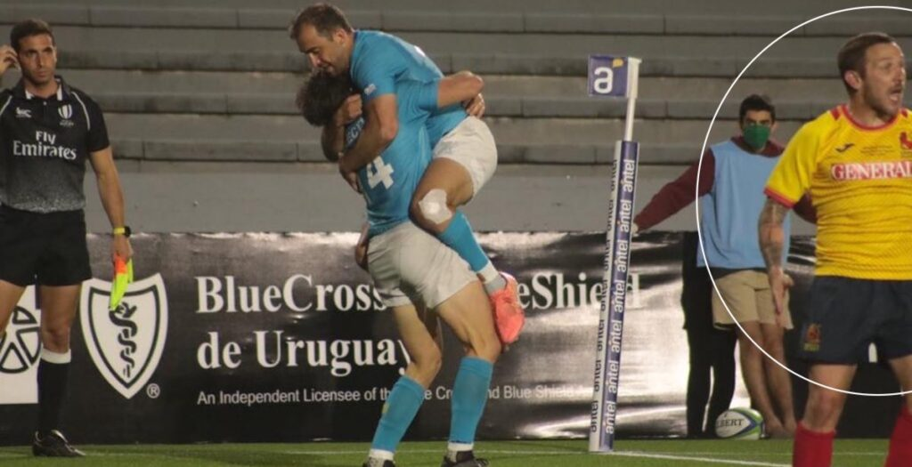 Ref blunder allows HUGE forward pass in Uruguay Test try