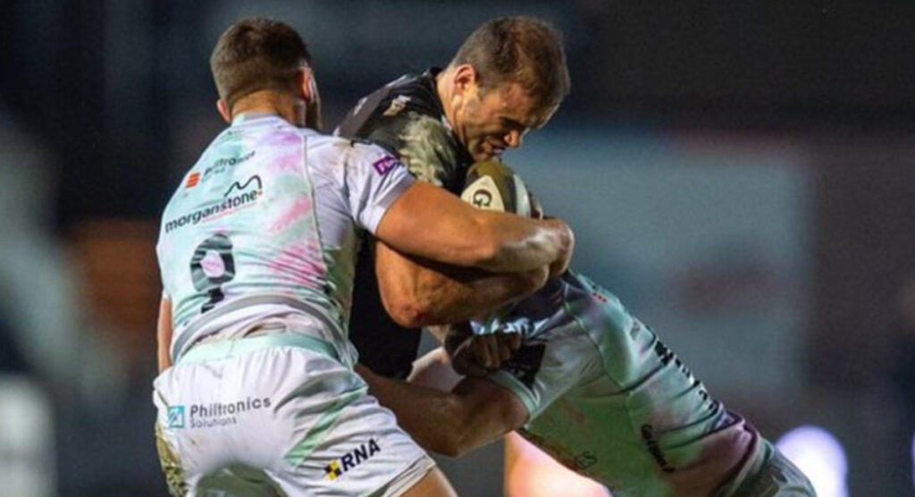 Jamie Roberts turns back the clock with trademark midfield power for well taken try