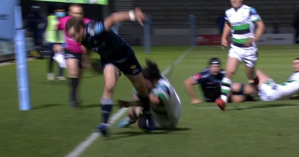 MacGinty miracle ball sets up Lood de Jager for great Sale Sharks try